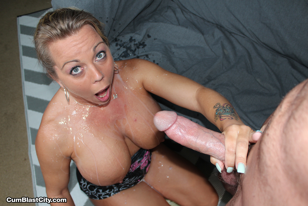 Amber Lynn gets blasted with cum - Cumblastcity Facial Video