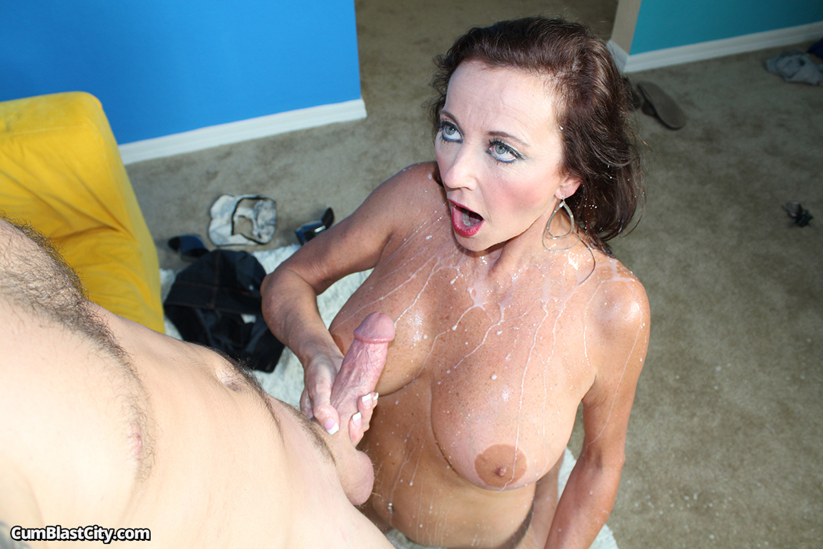 Robin lynn gets her face and ass fucked - 3 part 6