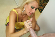 Angry Mom Dallas Diamondz Cools Down With A Monster Facial