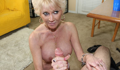 Breasts blasted Curvy milf Nikki get cumshot on her face and tits.